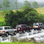 4WD Monthly Magazine - Land Rover Discovery Comparison - Review